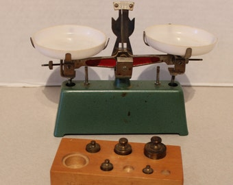 Vintage Green Metal Counter Top Scale w Weights