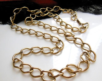 "Vintage Signed Celebrity 28"" Long Textured Gold Tone Metal Chain Link Necklace"