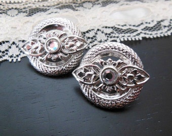Vintage Retro Signed Trifari Silver Metal Flower Crystal Accent Clip On Earrings