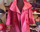 Red raincoat trench frech sleeve