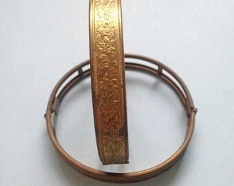 1 x Vintage brass floral hinged bangle bracelet