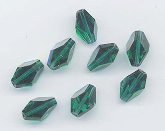Eight rarest of the rare vintage Swarovski crystal beads - Art. 348 (polygon) - 12 x 8 mm - emerald AB