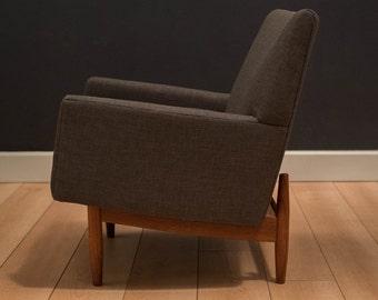 Mid-Century Modern Jens Risom Club Chair