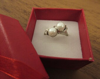 Classic Double Pearl Ring Beautiful 10K White Gold Setting Size 7