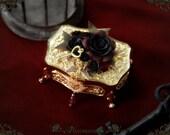Rose Treasure Box A2716