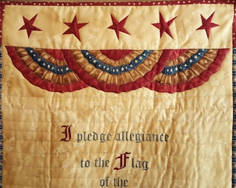 Stars and Stripes QUILTED AMERICANA DECOR, Pledge of Allegiance Wall hanging for the July 4th, Veteran's Day, Flag Day, Memorial Day