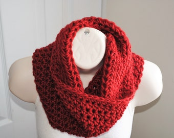 Sale 50% off was 20.00- lipstick red wool crochet chunky infinity cowl