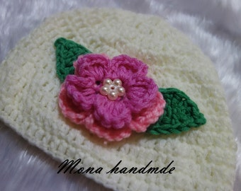 Handmade baby hat with flower size 0-3 months