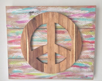 Rustic Wall Hanging - Peace Sign