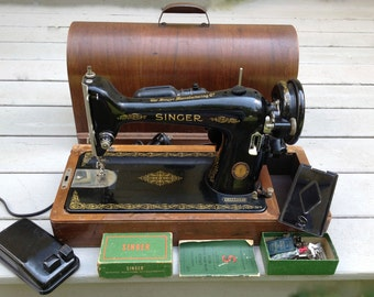 Antique Singer Sewing Machine  Brentwood Singer Sewing Machine   Portable  Electric  circa June 13  1950