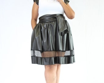 Black or Red leather skirt with the bet