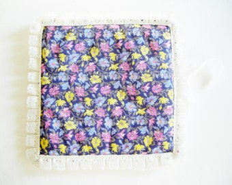 Lovely German Vintage DDR Flower handkerchief pouch bag for handkerchiefs
