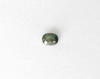 Genuine Green Sapphire, Oval Cut, 1.03 carat