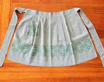 Green Checkered Half Apron - Vintage Cross Stitch Pocket