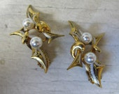 Vintage Damascene and faux pearl clip on earrings