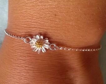 Daisy Bracelet. Sterling Silver Daisy Pendant. Floral Bracelet. Sterling Silver Bracelet. Simple Dainty Everyday, Christmas Gift