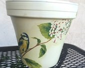 VINTAGE POT / BIRD Vase / Country Pot / Shabby Chic / Home Decor Garden Pots / Cottage Clay
