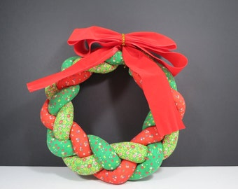 Vintage Christmas Wreath // Retro Braided Fabric Soft Handmade Sewing Craft Red Green Floral Pattern Country Rustic Christmas Decorations