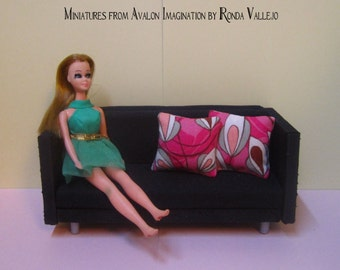 1/12th or 1/6th Scale miniature dollhouse Retro Psychedelic fuchsia with tan and cream mod pillows 60's 70's