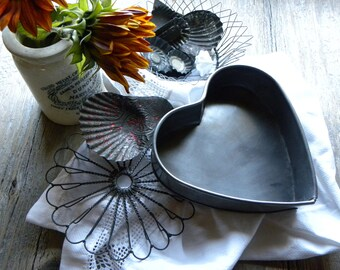 Primitive Rare French Bakery 1800s Fine Handmade Tin Heart Wide Edged Cake, Tart Mold Pan No Rust or Baked on Old Blackened Grease