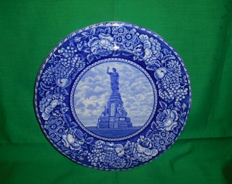 """One (1), 10 1/8"""" Bone China, Collector's Plate, from R & M Co. (Rowland and Marsellus), in the National Monument to the Forefathers Pattern."""