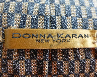 DONNA KARAN VINTAGE Silk Tie. Imported Silk, Classical , Timeless Design and Color