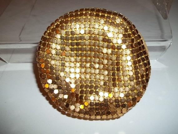 vintage 80 39 s coin purse la regale gold mesh metal classic. Black Bedroom Furniture Sets. Home Design Ideas
