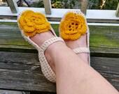 Crochet Pattern - Flora Slippers, crochet slipper pattern, adult crochet slippers, women crochet slippers, crochet house shoes pattern, S,L