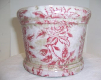 RED and WHITE FLOWERED Pot