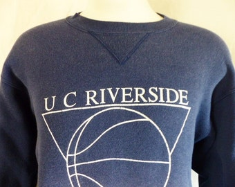 Go UCR Highlanders vintage 80's 90's University of California Riverside Hoops navy blue fleece graphic sweatshirt white basketball logo XL