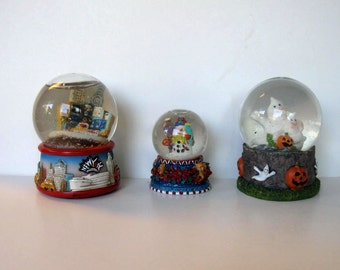 Lot of 3 Vintage Holiday Snow Globes, Halloween ghosts, Christmas, New York, Home Decor, gift idea