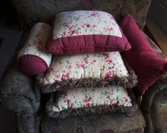 Throw Pillow Ensemble