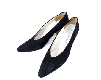 Stunning vintage suede Via Spiga black curved heel pumps / soft dancing pointed toe / shoes 9 AA N Italy