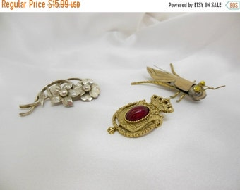 Holiday Sale Vintage Brooches Lot of Three Figural