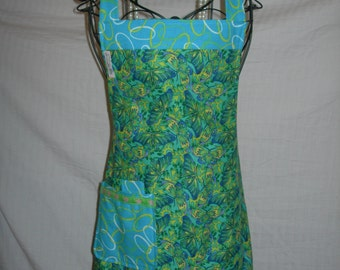 Apron Reversible in Country Cottage Chic. Fresh Butterflies on Turquoise.Wake up Sunshine...