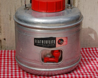 vintage 1950s FeatherFlite PicNic Jug. Aluminum red and black water jug. Vintage Thermos