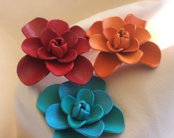 Leather flower Cleo.