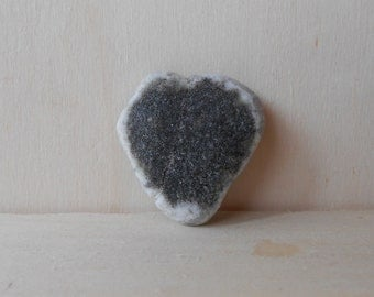 Heart shaped sea pebble, shiny black with white edges little heart shaped sea pebble,  Gift for hem, gift for her, collectible  (cuore33) )