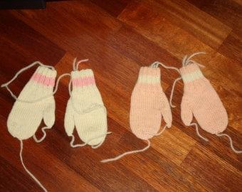 2 Pairs Vintage Hand Knit Mittens/Vintage Pink Mittens/Vintage White Mittens/Knitted Mittens/Vintage Children's Mittens/Kid's Mittens