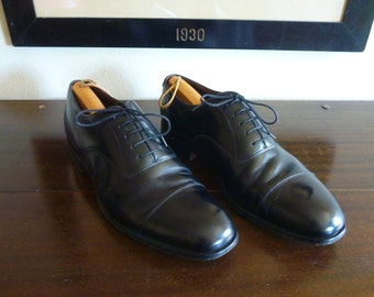 CLASSIC Vintage Loake Shoemakers for Charles Tyrwhitt Black Leather Cap Toe Balmorals Oxfords 10 1/2 10.5 D or M. Made in ENGLAND.