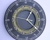 Red Bull F1 clock titanium & carbon fiber fibre brake disc rotor workshop office man cave wall clock  guys Formula 1 car auto racing gift