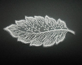 Lace leaf white with 9.5 x 4 cms