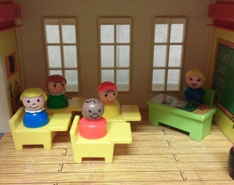Vintage Fisher Price Little People Play Family School