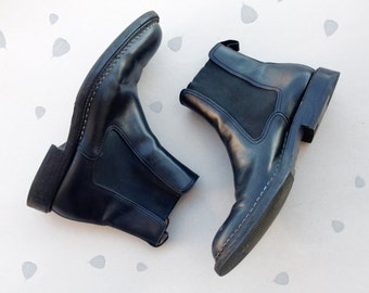 BALLY mens ankle boots / black leather booties shoes / chelsea boots / italian designer dress beatle boots / Eu 43.5 / Uk 9.5 / Us Man 10