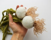 Play kitchen food onions - pretend play food - Spring gardening vegetables - Baby soft toy - educational Waldorf toy - knitted green white