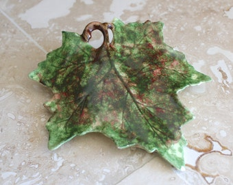 Leaf wall pocket - Jamieson Ceramics maple leaf wall pocket - 1940s wall pocket - ceramic wall pocket - leaf wall vase