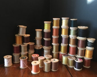 49 Wooden Spools of Thread, Warm Hughes of Vintage Sewing Thread, Golden Brown Vintage Sewing Thread, Rusty Mauve Thread