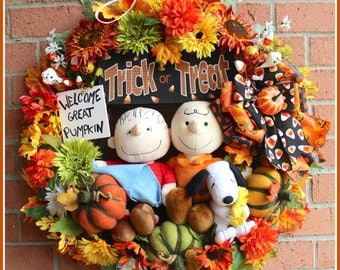 HOLIDAY PRE-ORDER Deluxe Welcome Great Pumpkin Large Halloween Wreath, Charlie, Linus, Snoopy, woodstock, Peanuts, pumpkin string lights
