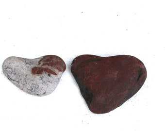 heart shaped beach pebbles rocks stones home decor craft tools jewelry supplies wall art trinkets (85)