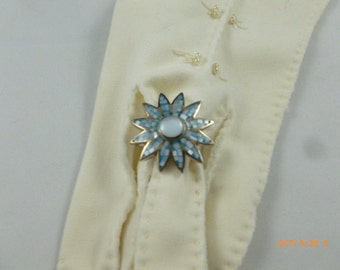 SALE Sterling Blue White Enamel flower Ring Light Blue Stone in Middle Size 8 NEW Marked 925